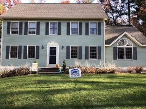 House in Groton MA painted by Aurora Exterior Painting